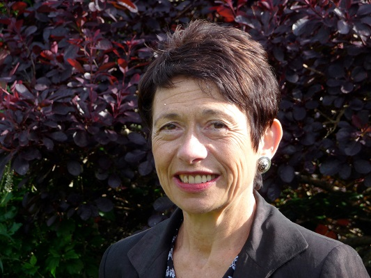 Dr Patricia Fara
